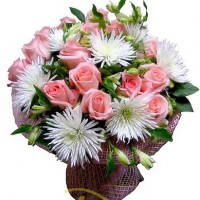 """Букет из роз и хризантем """"незнакомка"""""""