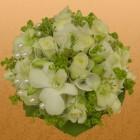 Свадебный букет из роз и дендробиума